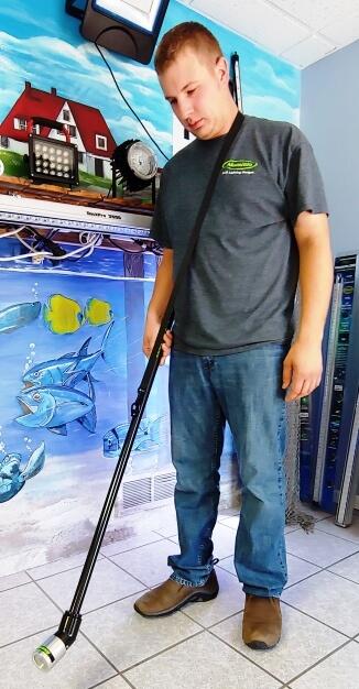 FlounderPro2000 HoldingLight 1