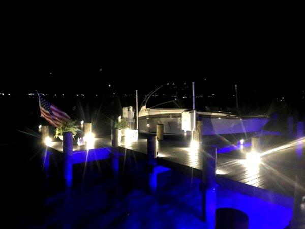 alumiglo dockpro 16000 led blue dock light brach1